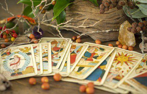 El Tarot adivina el pasado, presente y futuro con las cartas