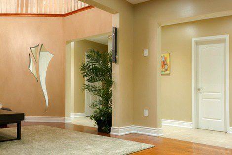 La puerta y el recibidor deben ser espacios abiertos y bien iluminados
