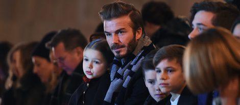 La familia Beckham en el desfile de Victoria Beckham en la FW de Nueva York