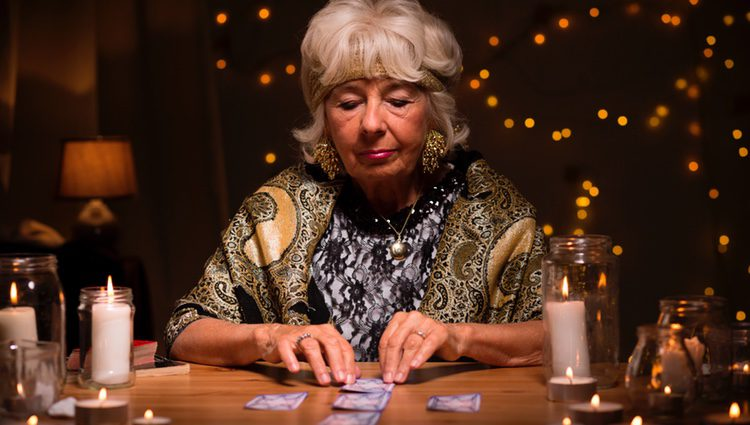 El precio de las cartas no es muy caro por lo que mucha gente puede tener acceso a ellas