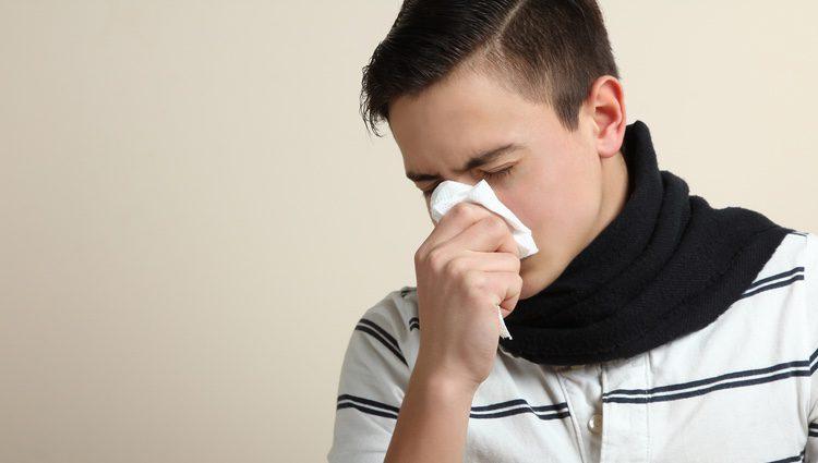Los cambios de temperatura pueden causar catarros y alergias bastante incómodas