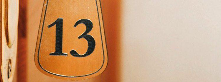Supersticiones: ¿Por qué se cree que el número 13 trae mala suerte?