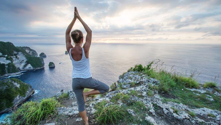 Podrás empezar a practicar yoga para despejar el cuerpo y la mente