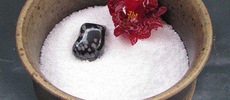 Uno de los rituales se lleva a cabo con sal