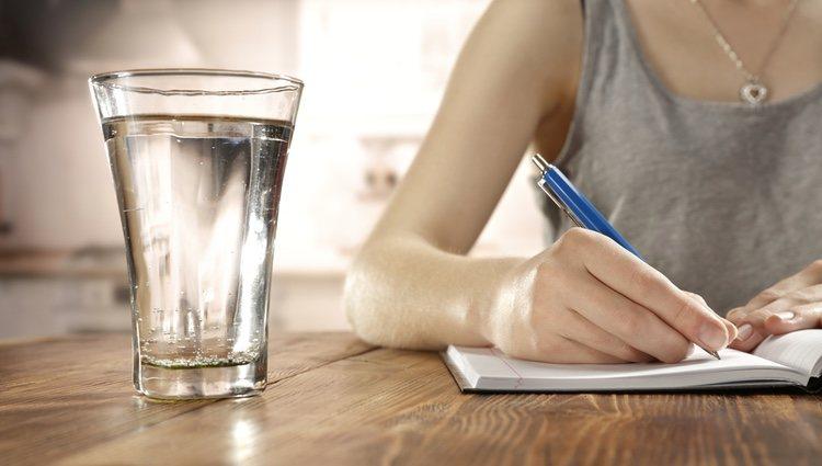 Escribe el nombre de la persona a la que quieres alejar