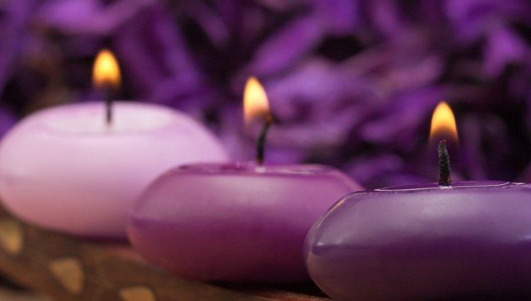 Las velas moradas son perfectas para los Virgo