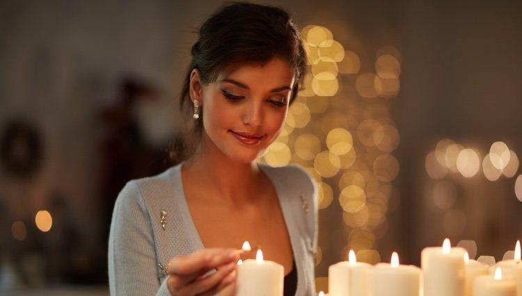 Las velas blancas tienen propiedades protectores e iluminadoras