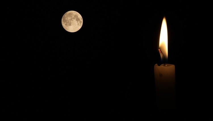 La luna influye en los rituales con velas blancas