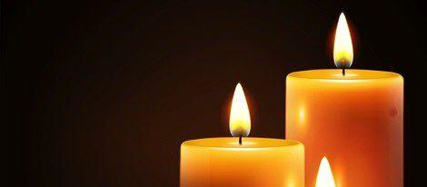 Las velas amarillas irradian luz y alegría