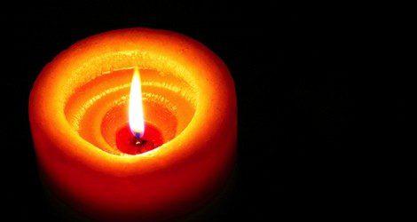 La vela naranja transmite energía y optimismo