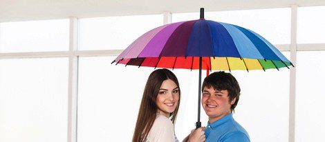 ¿Da mala suerte abrir un paraguas entre cuatro paredes?
