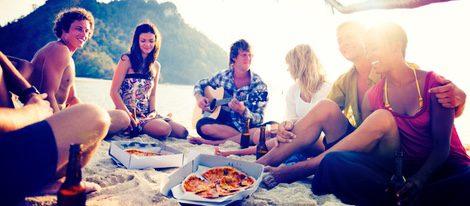 El dinero escaseará este mes, busca planes más económicos como comer en la playa