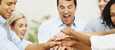 El vínculo que has creado con tus compañeros de trabajo es muy fuerte, y con algunos de ellos has forjado una gran amistad