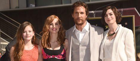 Matthew McConaughey estrena su estrella con Mackenzie Foy, Jessica Chastain y Anne Hathaway