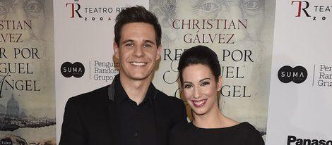 Christian Gálvez con Almudena Cid en la presentación de su libro 'Reza por Miguel Ángel'