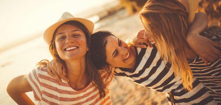 Si no tienes pareja no, el mes de julio es un buen momento para disfrutar de ti mismo y de tus amigos
