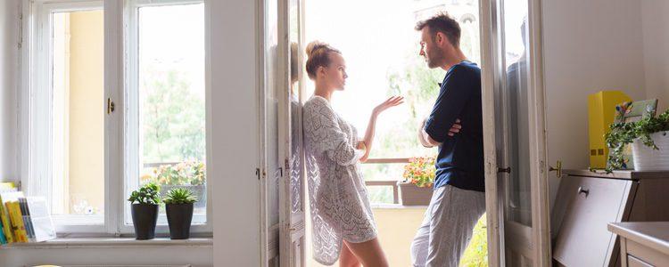 Para evitar conflictos con su pareja es importante que centre atención en ella