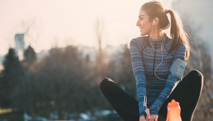 Mantén una vida sana comiendo bien y haciendo ejercicio para no sufrir sustos con tu salud