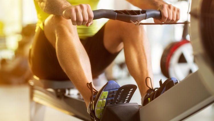 Mantén una dieta saludable y realiza ejercicio, así podrás evitar problemas de salud