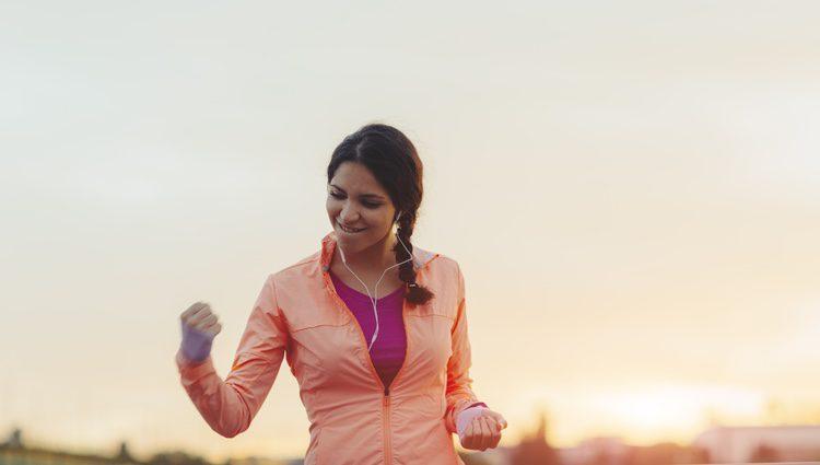 Realiza deporte y mantén una vida sana para no sufrir problemas de salud