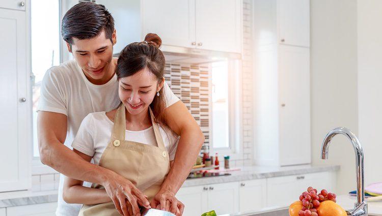 Seguir una dieta equilibrada con alguien cercano ayuda a que se cumpla de forma más eficiente