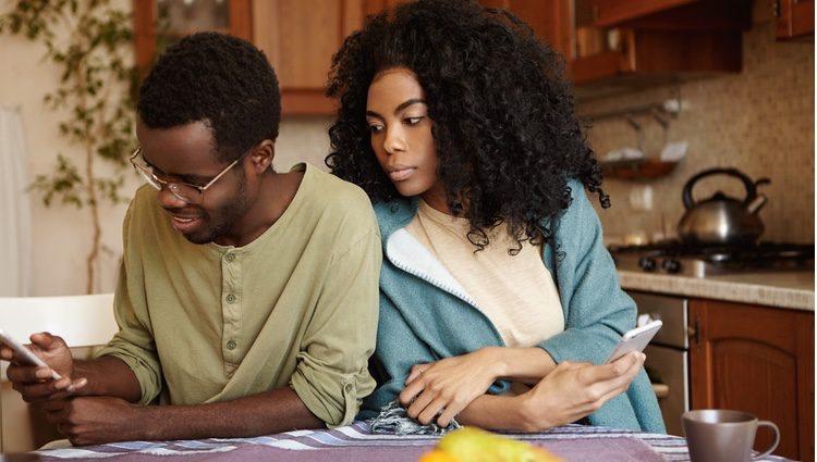 Las constantes dudas con tu pareja han provocado varias discusiones