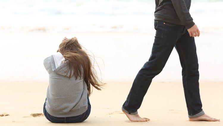 Leo debe solucionar los problemas de los meses de verano con su pareja si no quiere perderla