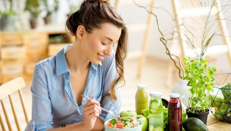 Comienza a alimentarte adecuadamente, el exceso es malo para tu salud
