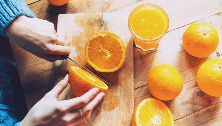 Las naranjas pueden ayudarte con ese aporte de vitamina C