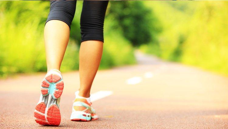 Dar paseos largos hará que te encuentres con un mejor estado de ánimo y de salud