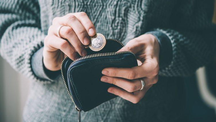 No tienes que preocuparte por el dinero, tu situación es solo temporal