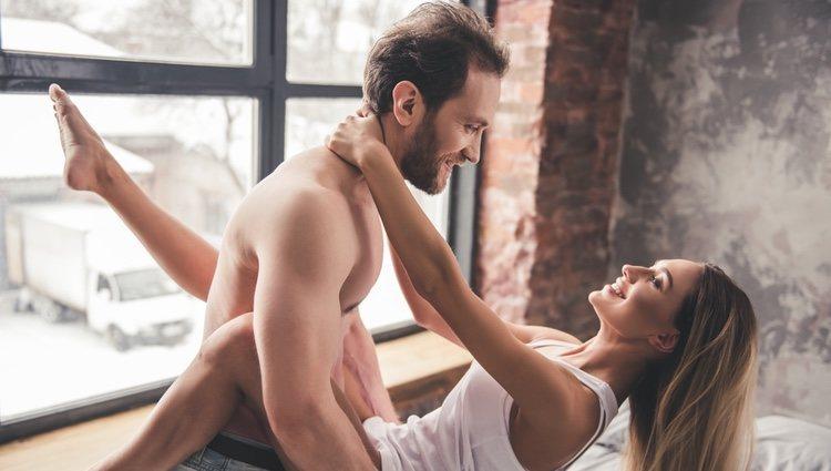 Hacer el amor puede ayudar a estrechar lazos con tu pareja
