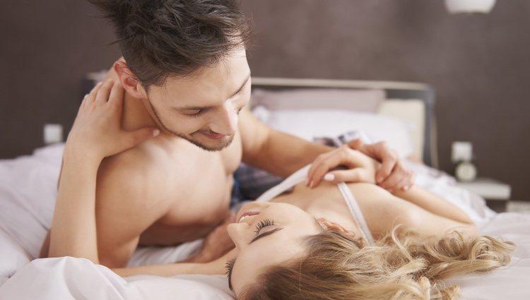 Habla con tu pareja y coméntale esta nueva situación en tu vida