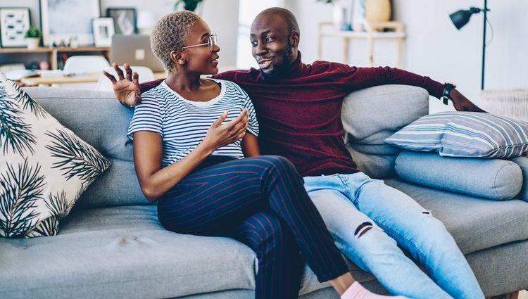 Sincerarte y abrirte con tu pareja ha ayudado a reforzar la relación