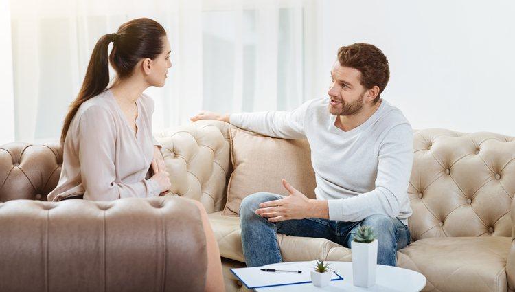 Piscis resolverá la crisis con su pareja con una conversación