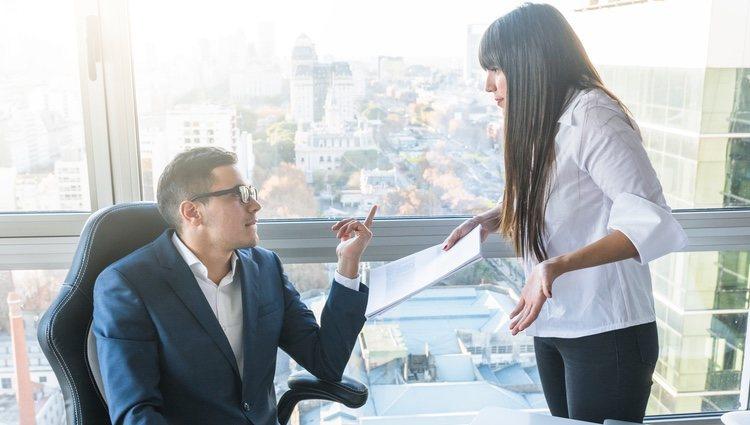 Si quiere ser ascendido en su trabajo, Géminis debe estar al margen de los conflictos laborales