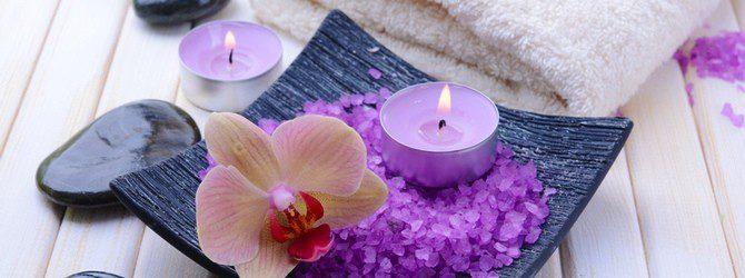 Rituales con velas violeta: meditación y progreso