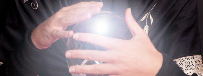 Los peligros de los videntes: evita la estafa