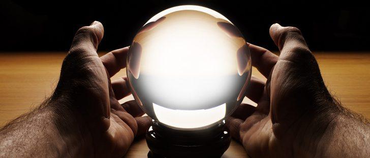Bola mágica  qué es y para qué sirve una bola de cristal - Bekia Horóscopo f3e20dc26e2